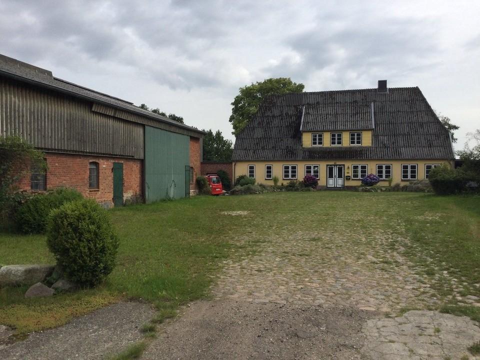 Hofblick altes Haus